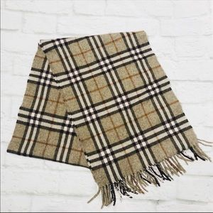 Burberry lambswool made in England scarf